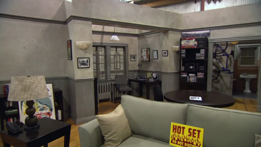 Jerry S Apartment Set